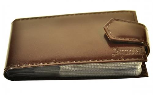 Коричневый лакированный кожаный кляссер