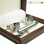 Серебряные запонки с зажимом для галстука в фирменной коричневой упаковке
