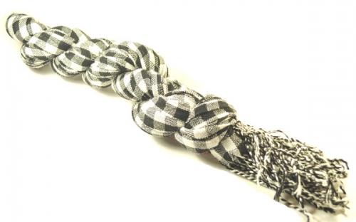 Черно-белый клетчатый шарф осень-зима 2013-2014 года